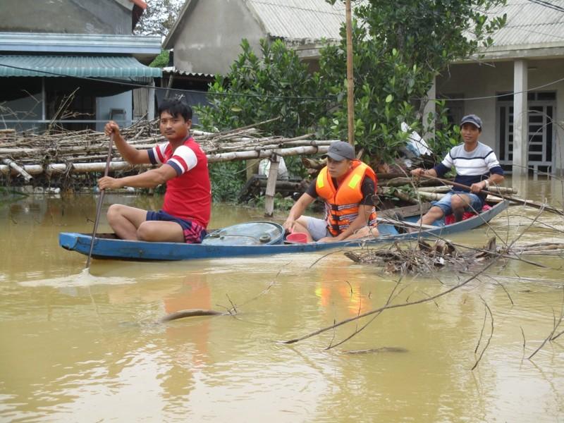 Nước sông Quảng Trị lên trở lại, Huế đạt đỉnh lũ lịch sử - ảnh 1