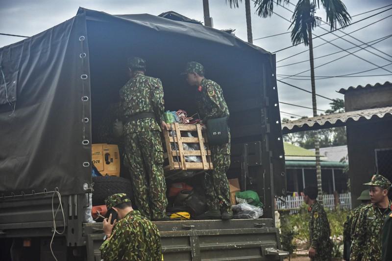 Bộ đội tiếp tục khẩn trương vào thủy điện Rào Trăng 3 - ảnh 2