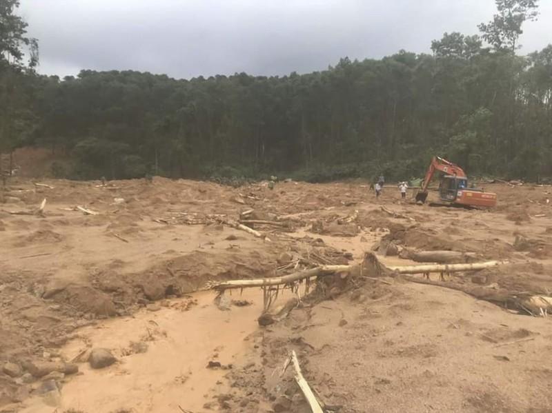 Ảnh: Sạt lở đất ở Trạm bảo vệ rừng 67, 13 người mất tích - ảnh 3