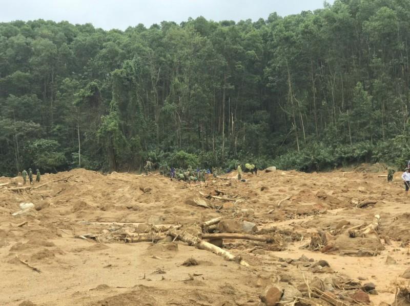Ảnh: Sạt lở đất ở Trạm bảo vệ rừng 67, 13 người mất tích - ảnh 7