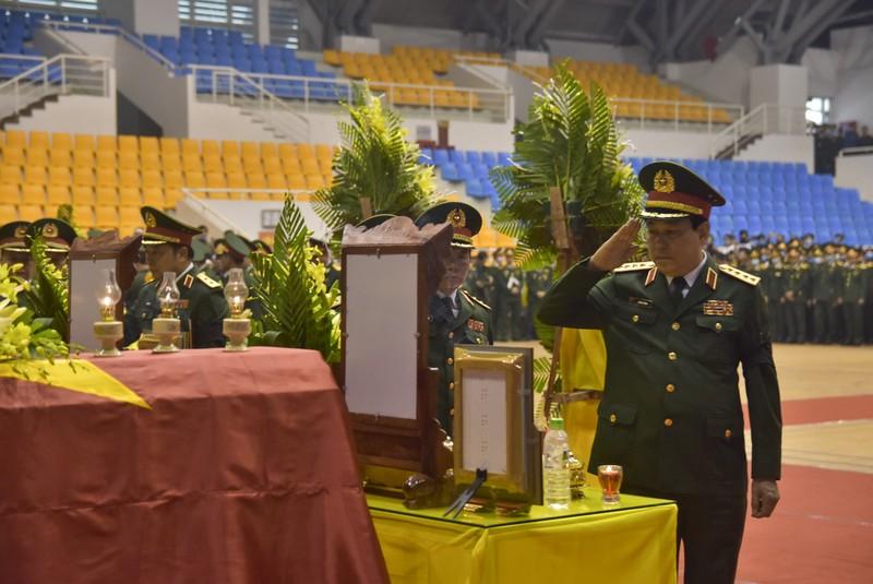 Hình ảnh Lễ viếng 22 liệt sĩ đoàn Kinh tế - Quốc phòng 337 - ảnh 4