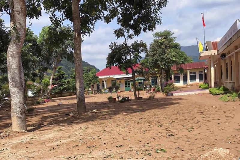 Cảnh tan hoang sau lũ ở Hướng Việt sau 1 tuần bị cô lập - ảnh 14