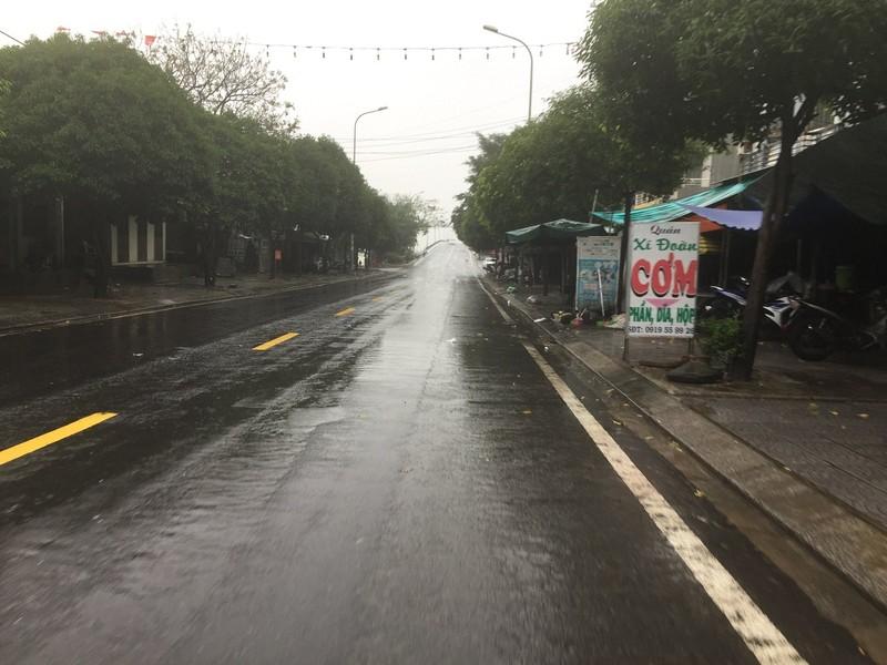 Quảng Trị, Huế cấp tốc sơ tán dân tránh bão số 13 - ảnh 5