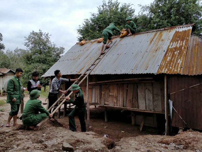 Quảng Trị, Huế cấp tốc sơ tán dân tránh bão số 13 - ảnh 4