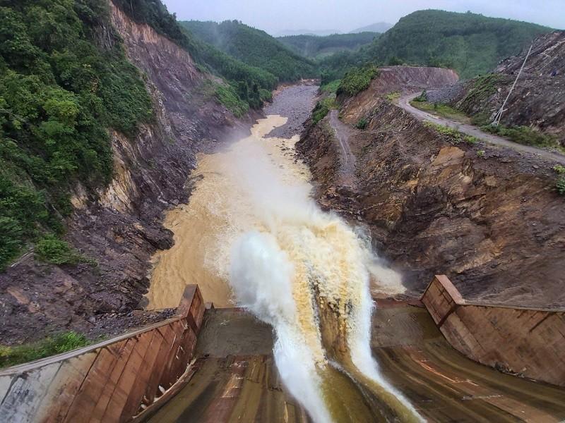 Yêu cầu xử lý thủy điện Thượng Nhật vì tự ý tích nước - ảnh 1