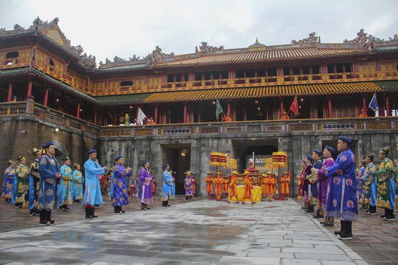 Tái hiện lễ ban lịch của triều Nguyễn - ảnh 8