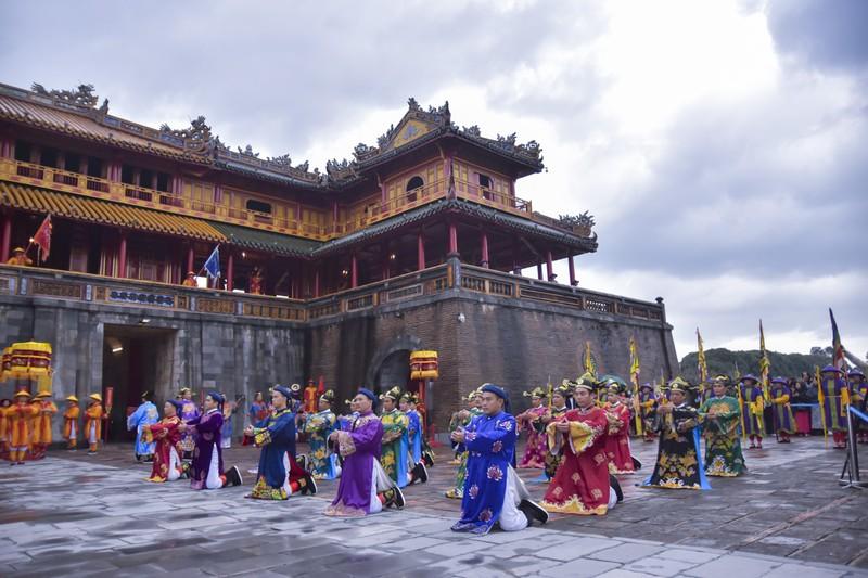 Tái hiện lễ ban lịch của triều Nguyễn - ảnh 1
