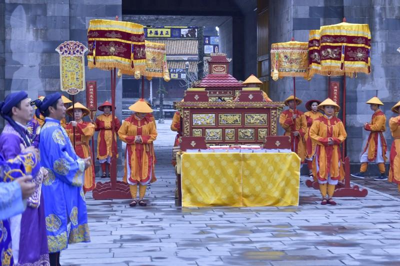 Tái hiện lễ ban lịch của triều Nguyễn - ảnh 4