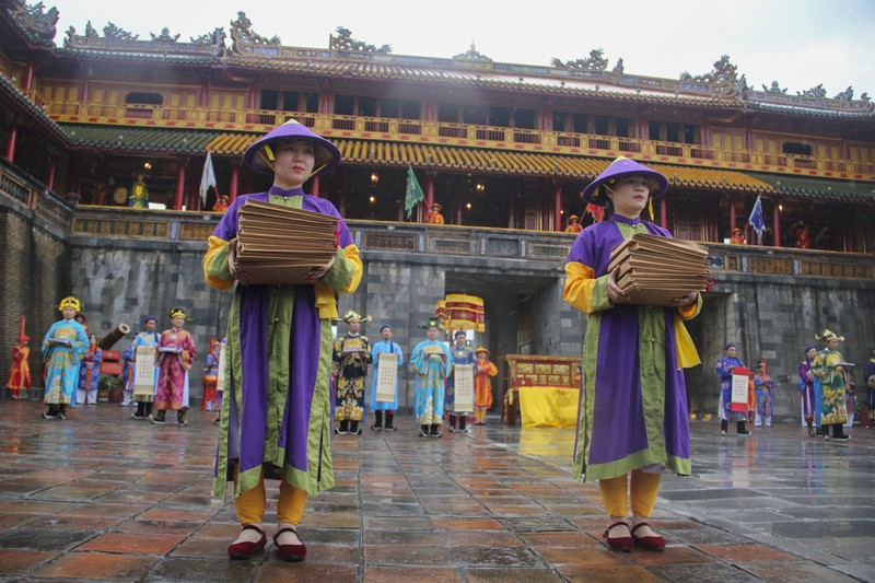 Tái hiện lễ ban lịch của triều Nguyễn - ảnh 7