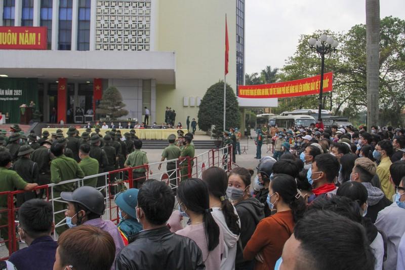 Hình ảnh hơn 1.400 thanh niên Thừa Thiên - Huế nhập ngũ - ảnh 4