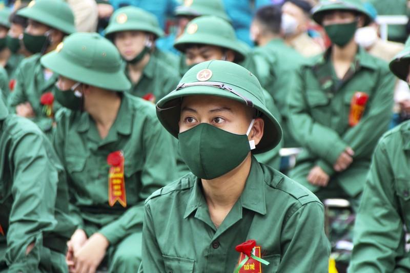 Hình ảnh hơn 1.400 thanh niên Thừa Thiên - Huế nhập ngũ - ảnh 5