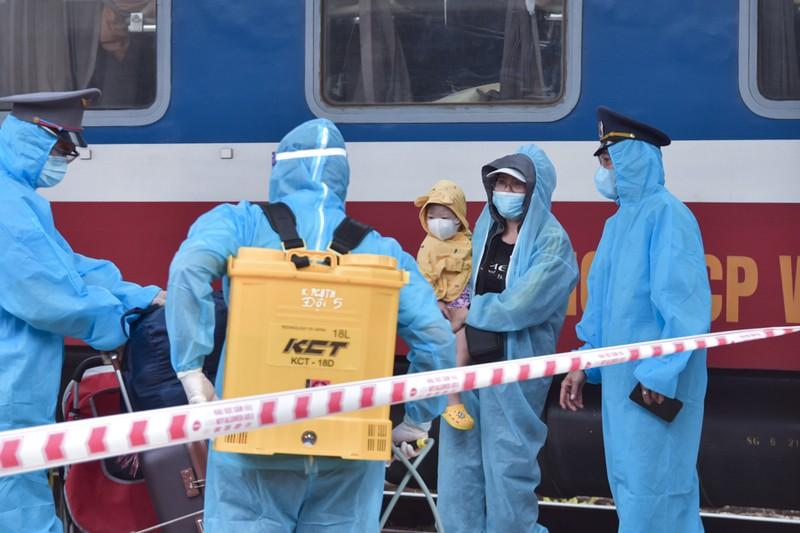 Huế đón 368 người từ TP.HCM về quê tránh dịch COVID-19 - ảnh 7