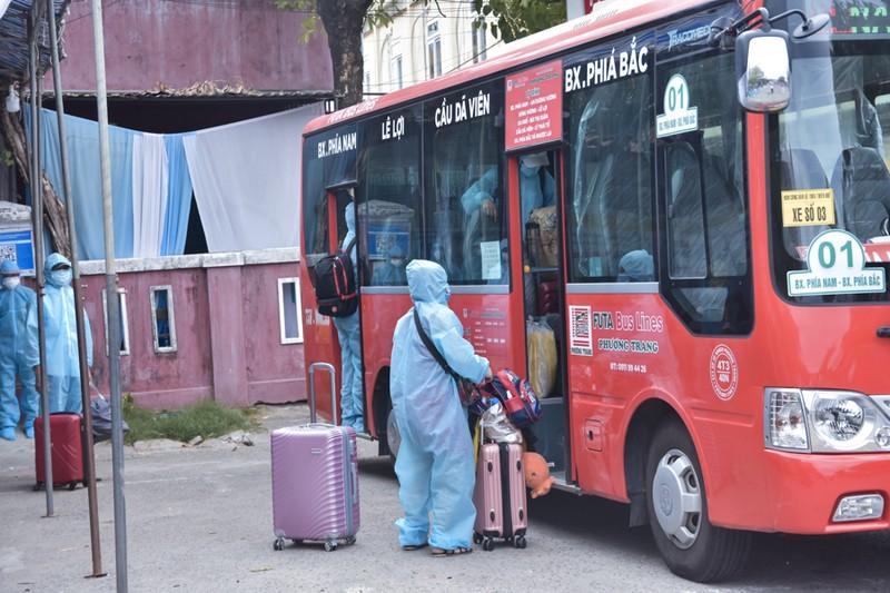 Huế đón 368 người từ TP.HCM về quê tránh dịch COVID-19 - ảnh 8
