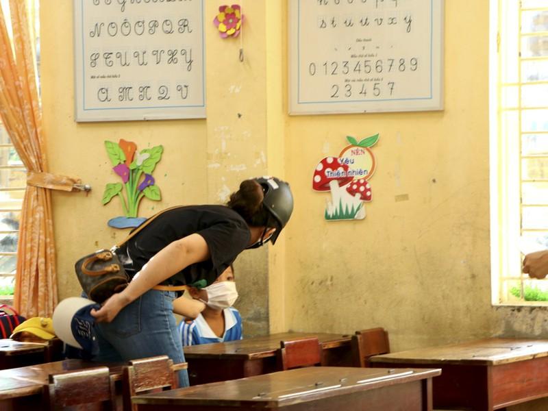 Thừa Thiên - Huế: Học sinh đến trường sau thời gian học online - ảnh 8