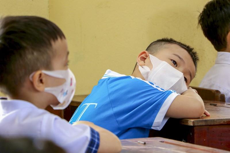Thừa Thiên - Huế: Học sinh đến trường sau thời gian học online - ảnh 5