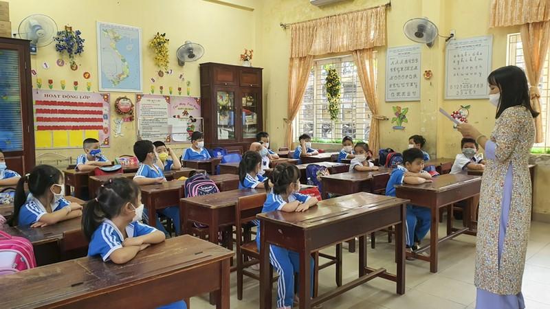 Thừa Thiên - Huế: Học sinh đến trường sau thời gian học online - ảnh 4