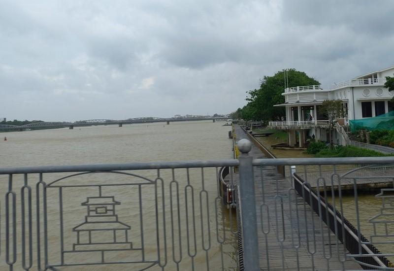 Thừa Thiên - Huế: Mưa lớn, hồ Tả Trạch tăng mức xả nước - ảnh 1