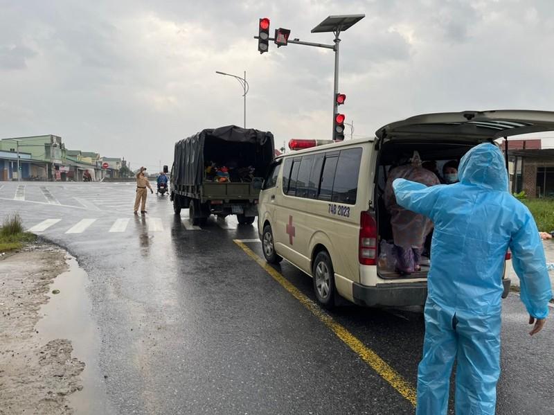 Sản phụ sinh con bên đường khi từ TP.HCM về Nghệ An - ảnh 1