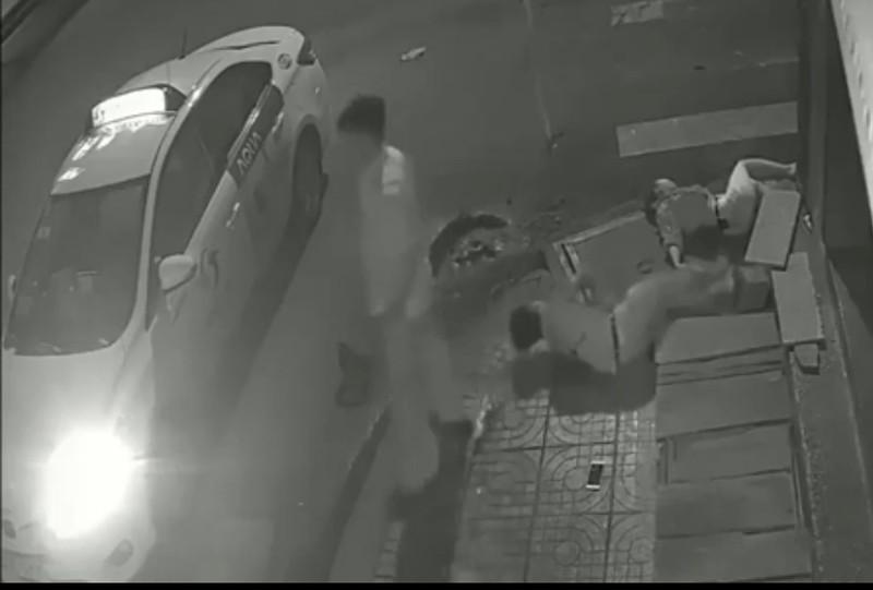 Tài xế taxi bỏ mặc nạn nhân chết bên đường chưa bị khởi tố - ảnh 1