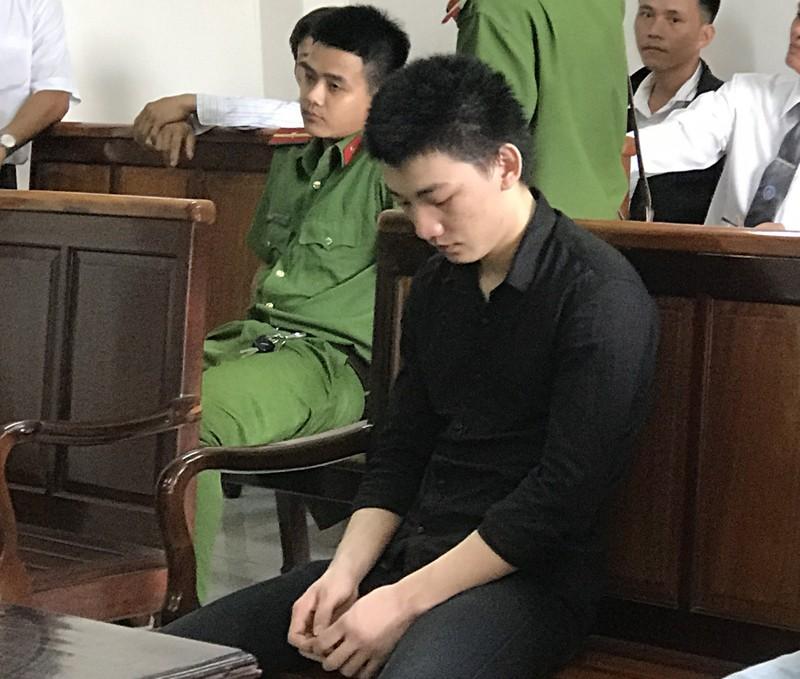 Ngồi tù vì 'yêu' bạn gái nhí 15 tuổi - ảnh 1