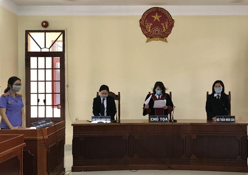Thầy cho trò diễn 'cảnh nóng': Tòa đình chỉ xét xử - ảnh 2