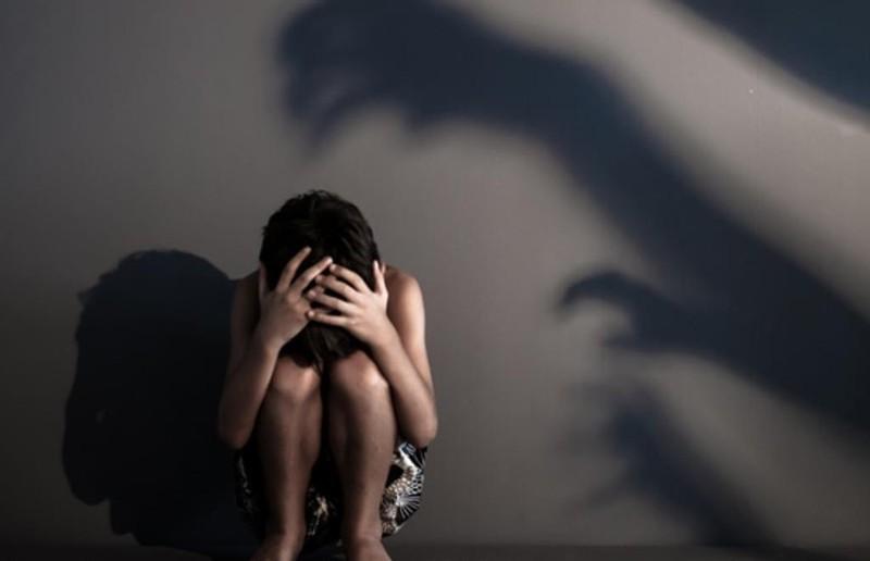 'Yêu' bé gái 12 tuổi, thiếu niên 17 tuổi lãnh 3 năm tù - ảnh 1