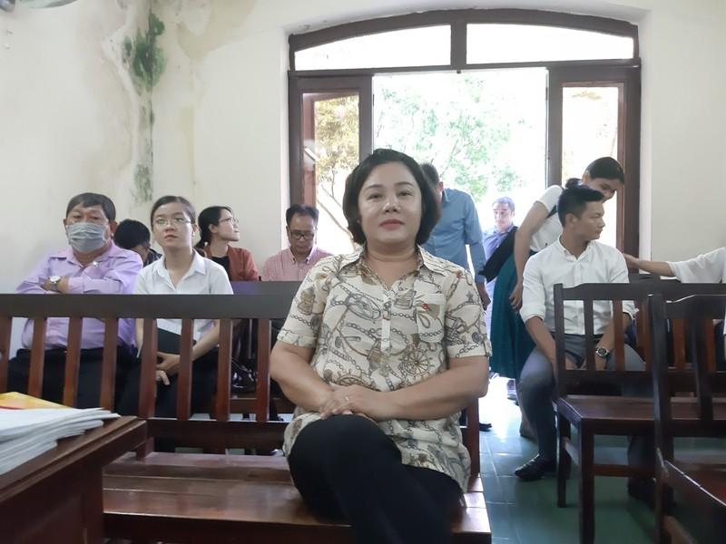 Chủ tịch huyện Bình Chánh vắng mặt tại tòa vụ Gia Trang quán - ảnh 1