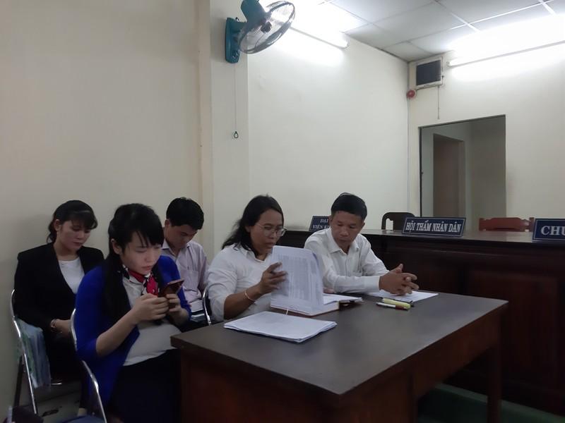 Chủ tịch huyện Bình Chánh vắng mặt tại tòa vụ Gia Trang quán - ảnh 2