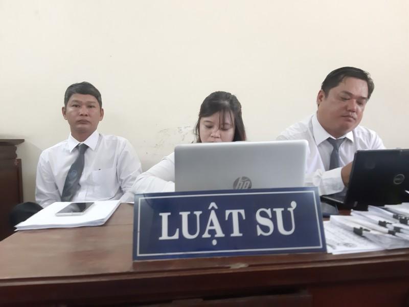 Chủ tịch huyện Bình Chánh vắng mặt tại tòa vụ Gia Trang quán - ảnh 3