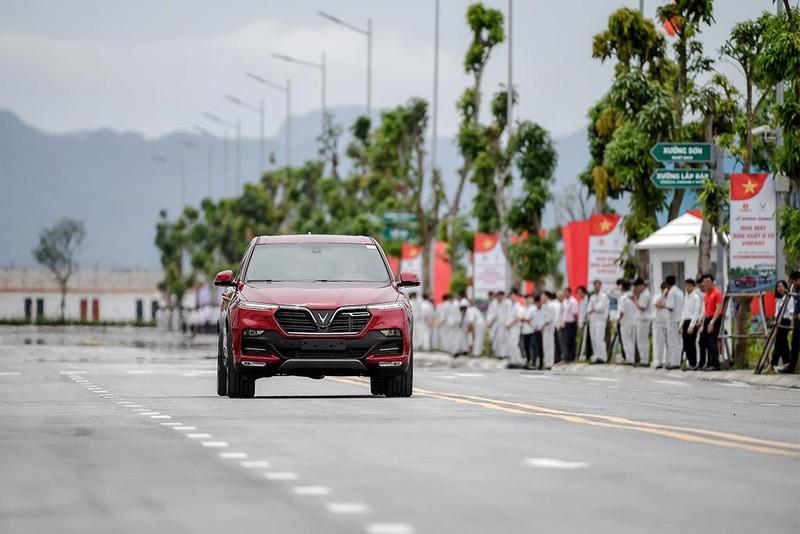 200 mẫu xe VinFast Lux đã sẵn sàng đến tay khách hàng - ảnh 2