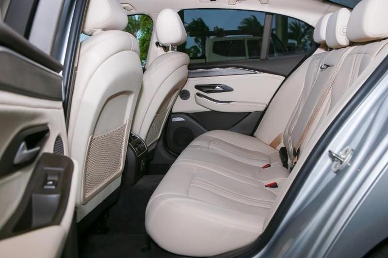 Cận cảnh mẫu sedan cao cấp VinFast Lux A2.0 mới ra thị trường - ảnh 14