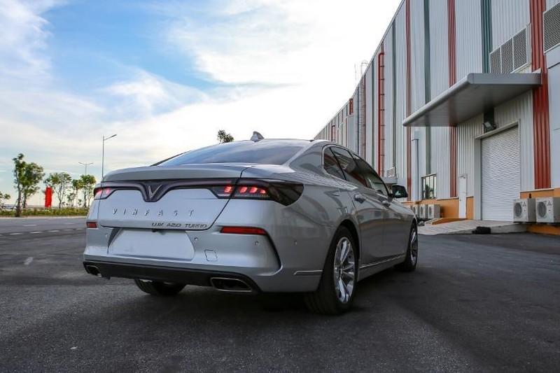 Cận cảnh mẫu sedan cao cấp VinFast Lux A2.0 mới ra thị trường - ảnh 2
