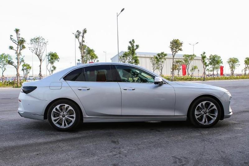 Cận cảnh mẫu sedan cao cấp VinFast Lux A2.0 mới ra thị trường - ảnh 5