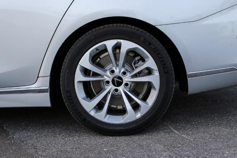 Cận cảnh mẫu sedan cao cấp VinFast Lux A2.0 mới ra thị trường - ảnh 7