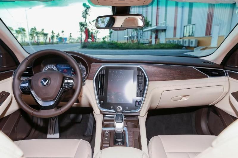 Cận cảnh mẫu sedan cao cấp VinFast Lux A2.0 mới ra thị trường - ảnh 8