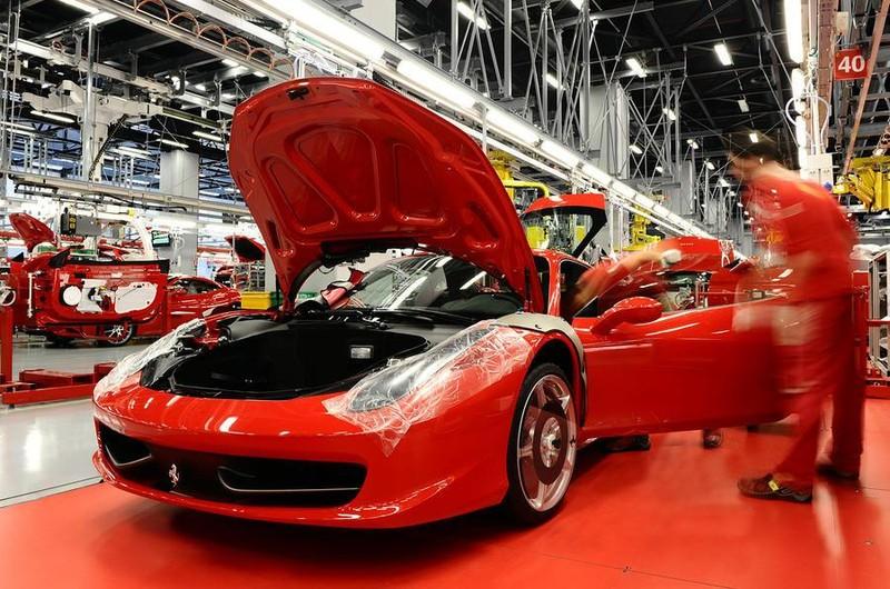 Nhà sản xuất siêu xe Ý 'thấm đòn' với COVID-19 - ảnh 1
