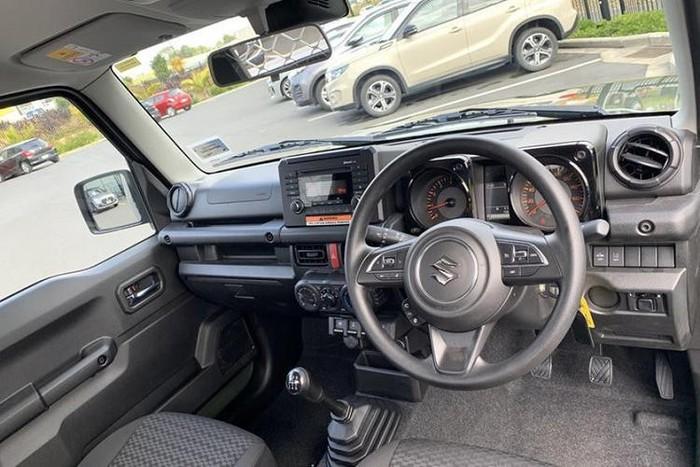 Suzuki Jimny độ bán tải nhỏ gọn giá bán hơn nửa tỉ đồng - ảnh 5