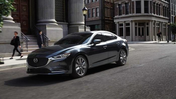 Mazda 6 mới sang chảnh giống thiết kế của BMW - ảnh 1