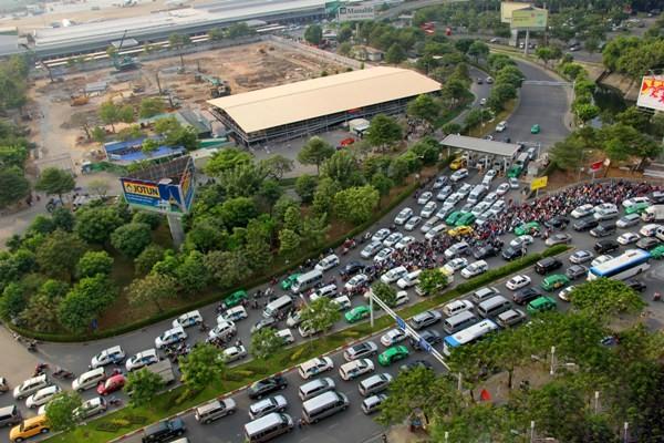 Đề xuất mở cổng vào Tân Sơn Nhất từ đường Cộng Hòa - ảnh 1