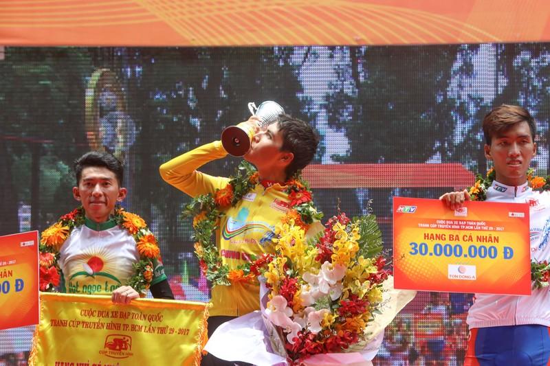 Ariya Phounsavath đăng quang áo vàng Cúp Truyền hình - ảnh 9