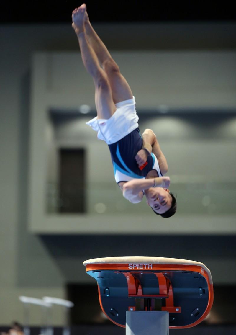 Thể dục dụng cụ đoạt 2 HCV, Ánh Viên vào chung kết bơi - ảnh 1