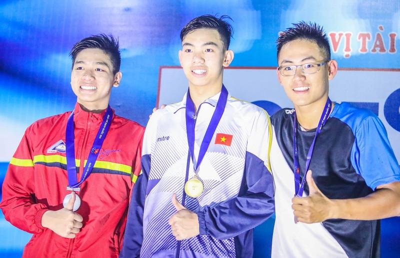 Kình ngư Huy Hoàng đánh bại kỷ lục gia SEA Games 29 - ảnh 2