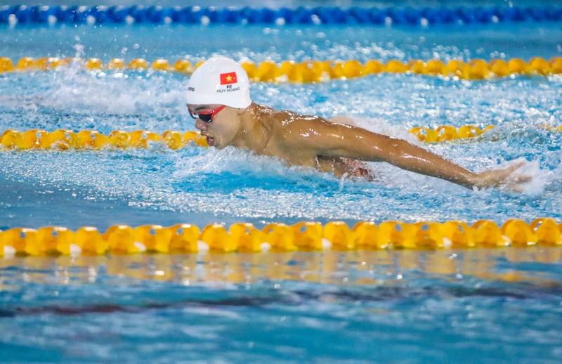 Kình ngư Huy Hoàng đánh bại kỷ lục gia SEA Games 29 - ảnh 1