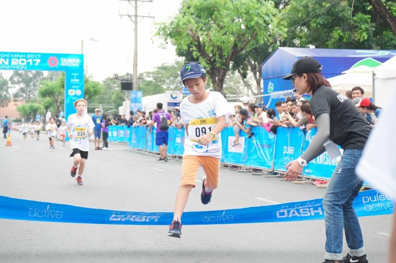 HCMC Marathon 5 - Chạy kết nối gia đình và cộng đồng - ảnh 5