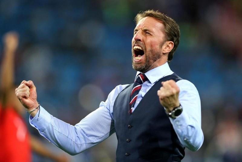 Chuyển động World Cup: Gary Neville bị chỉ trích 'hai mặt' - ảnh 8