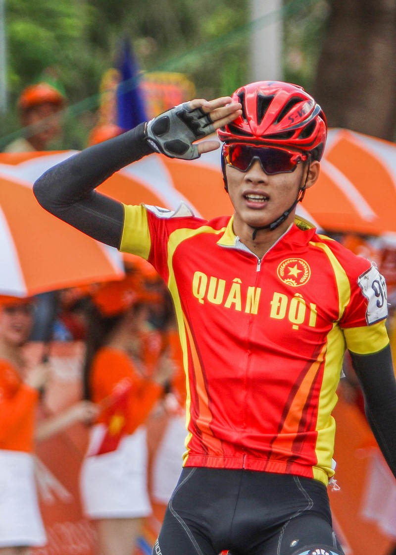 Hàng loạt tay đua giải Đồng bằng 'dính' ngộ độc tiêu hóa - ảnh 2