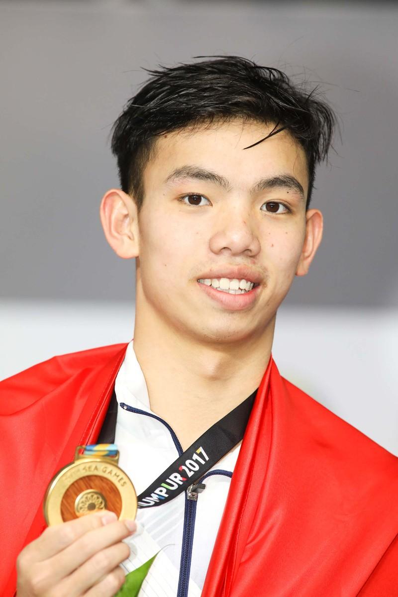 Kình ngư 18 tuổi Nguyễn Huy Hoàng vào chung kết hai cự ly - ảnh 1