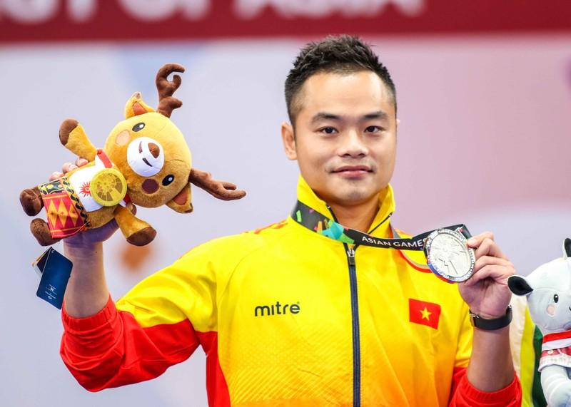 Phạm Quốc Khánh đoạt bạc, Dương Thúy Vy nhận đồng Wushu - ảnh 2