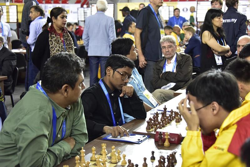 Quang Liêm tiếp mạch thắng, Việt Nam lên hạng 9 tại Olympiad - ảnh 1