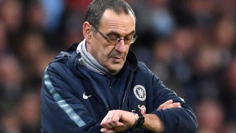 Xuân Trường nhận lương 'khủng', Sarri sắp bị Chelsea sa thải - ảnh 1